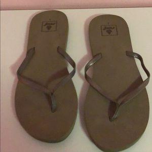 Reef pewter flip flops size 9